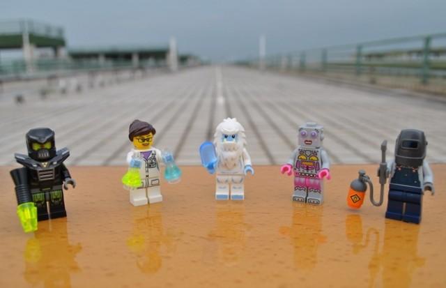 LEGO-Minifigures-Series-11-Photos-Yeti-Welder-Evil-Robot-Female-Robot-Clockwork-Scientist-Miketop
