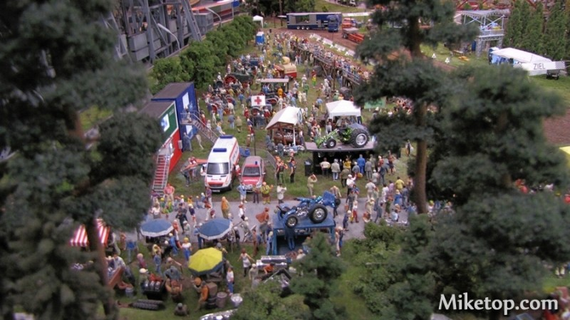miniatur wunderland in hamburg city miketop. Black Bedroom Furniture Sets. Home Design Ideas